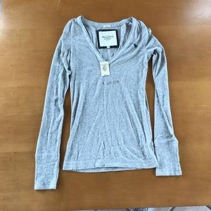 🌷2 for $10 deal- A&F top